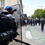 Во Франции в Тулузе сотрудник полиции избил корреспондента RT France
