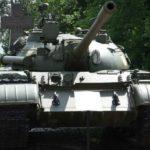 В Польше по улицам города пьяный мужчина прокатился на советском танке Т-55