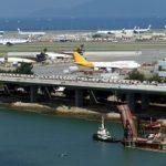 В Гонконге в аэропорту всех граждан Украины задерживают и депортируют