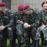 Замглавы Минобороны Украины: военные уходят из украинской армии