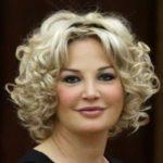 Сбежавшая на Украину певица Максакова снова хочет петь в России