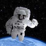 Астронавт объяснил, почему свистеть в скафандре невозможно