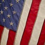 В США власти штата Миссисипи намерены убрать с флага звезды как символ расизма