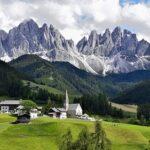 Олигархам предложили хранить свои богатства в альпийских скалах