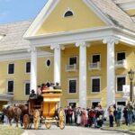В Йеллоустоуне открываются отели для гостей национального парка