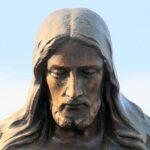 В США в штате Техас вандал обезглавил статую Иисуса в соборе Эль-Пасо за «неправильный цвет кожи»
