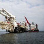 Компании отказываются страховать суда, которые строят «Северный поток — 2»