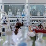 В США вторая компания прекратила разработку препарата против COVID-19