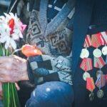 На Украине внучка ветерана ВОВ пожаловалась, что деда наградили медалью «от Путина»