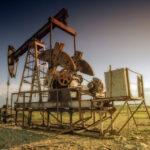 """<span class=""""title"""">Нефть снижается в цене по мере укрепления доллара</span>"""