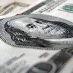 "<span class=""title"">Рубль «символически» упал к доллару и евро</span>"