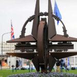 """<span class=""""title"""">В Кремле считают нарушением «красных линий» расширение НАТО на Украине</span>"""